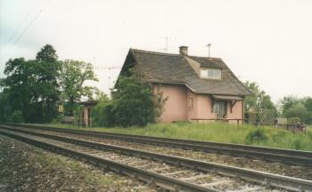 Bahnwärterhäuschen Mittenheim in den 1990er Jahren